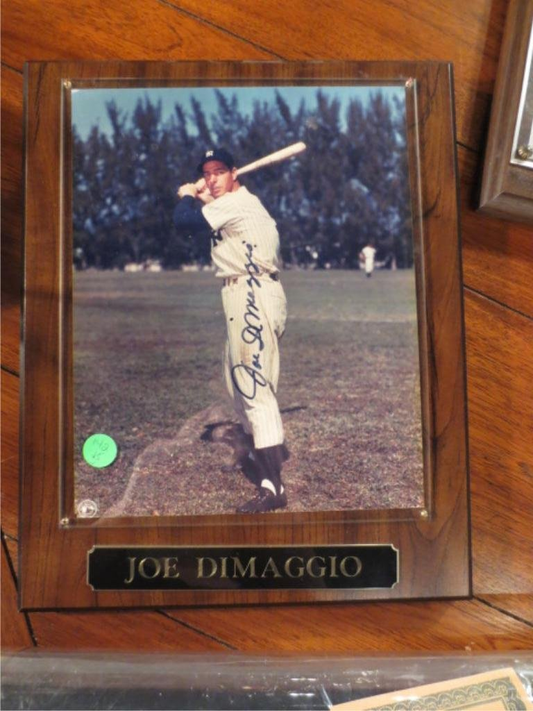 5: JOE DIMAGGIO SIGNED PHOTO WITH CERTIFICATE OF AUTHEN