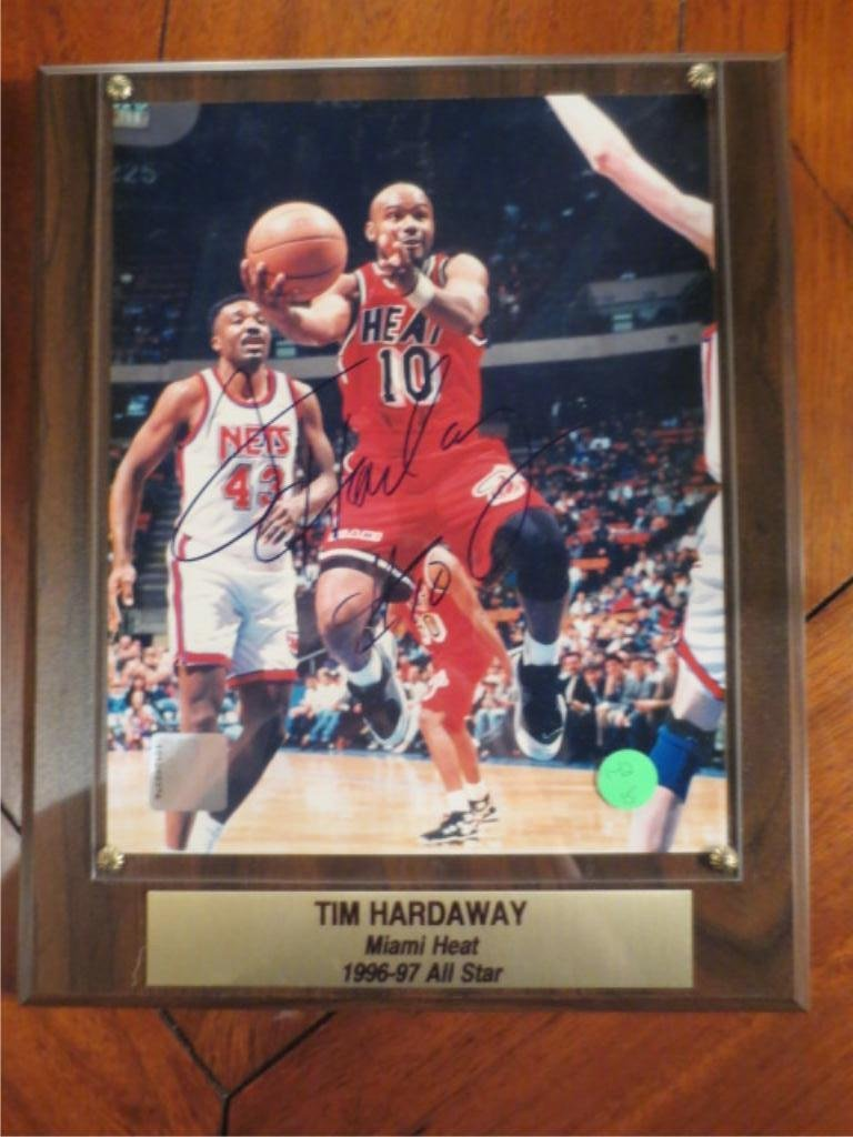 8: TIM HARDAWAY SIGNED PHOTOGRAPH WITH CERTIFICATE OF A