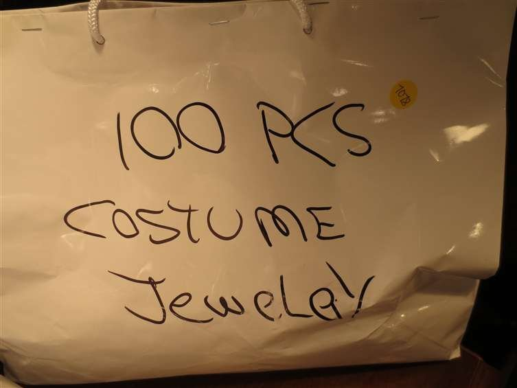 17: #3 OF FIVE AVAILABLE LOTS - 100 PIECES COSTUME JEWE