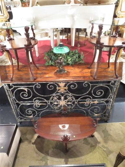 23: VINTAGE 3 PC COFFEE AND END TABLE SET, CARVED MAHOG