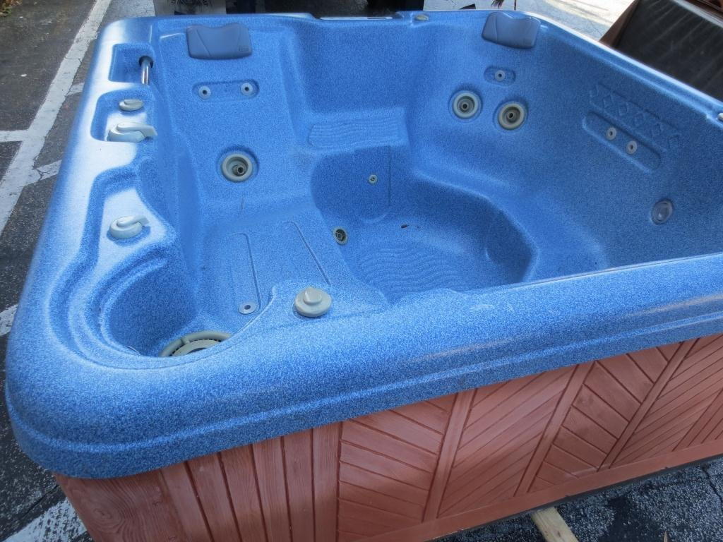 Leisure Bay Spas >> Hot Tub By Leisure Bay Spas Model 192srcs2