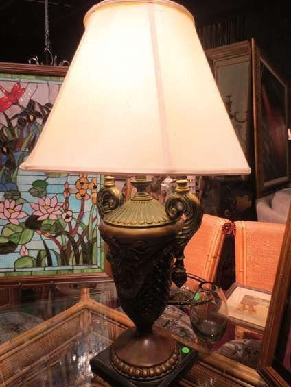 URN STYLE TABLE LAMP, BRONZE FINISH COMPOSITION, APPROX