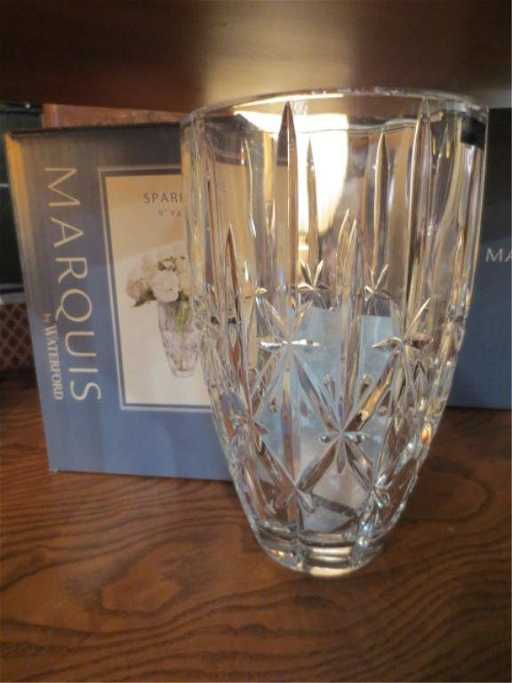 Marquis By Waterford Sparkle 9 Vase With Original B
