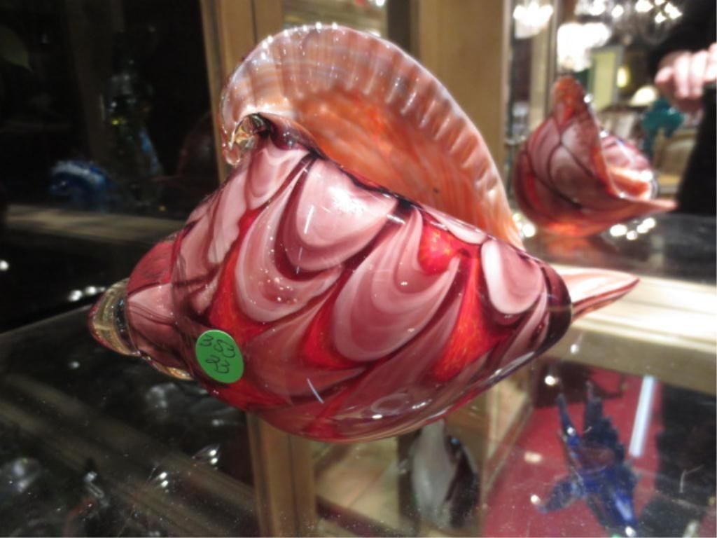 MURANO STYLE ART GLASS SHELL SCULPTURE, RED SWIRLS, APP