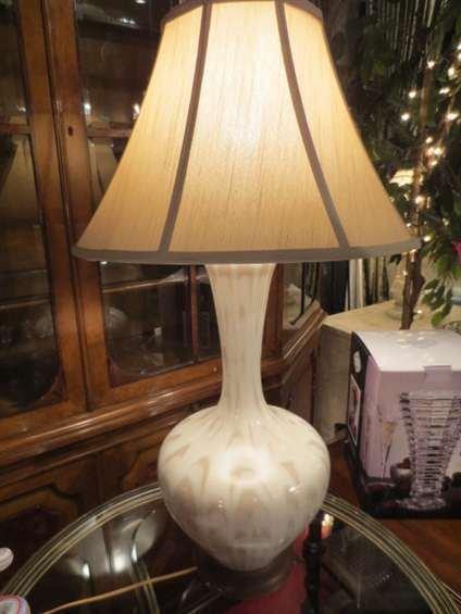 VINTAGE WHITE CERAMIC LAMP,WHITE TONE ON TONE GLAZED FI