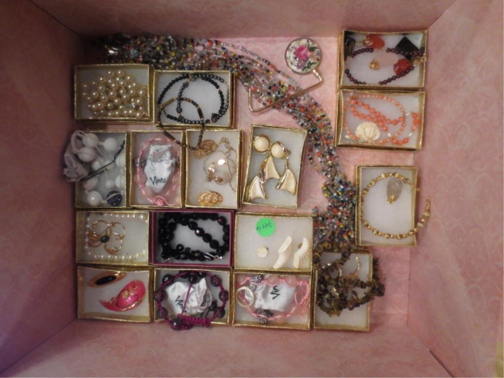 GROUP OF COSTUME JEWELRY SOLD TOGETHER