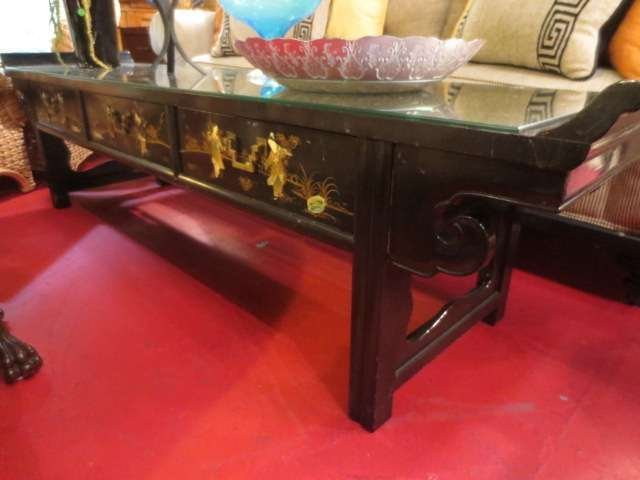 CHINOISERIE TABLE, BLACK LACQUER FINISH WITH APPLIED CA