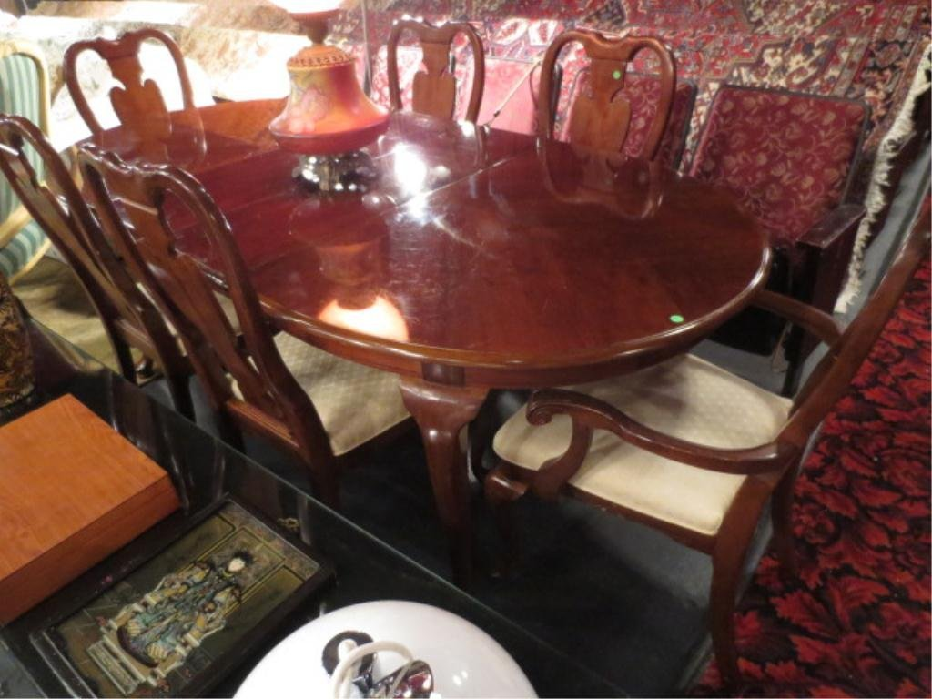 QUEEN ANNE STYLE DINING TABLE WITH LEAF AND 6 CHAIRS, D