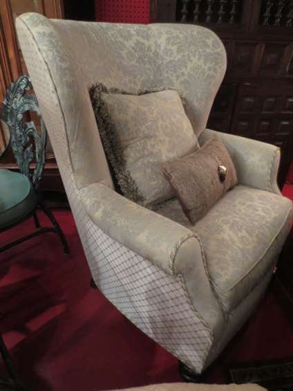 THOMASVILLE WINGBACK CHAIR, VERY PALE MINT COLOR UPHOLS