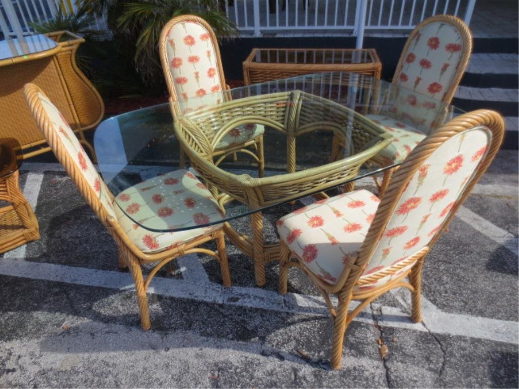 WICKER DINING TABLE WITH 4 CHAIRS, GLASS TOP, EXCELLENT