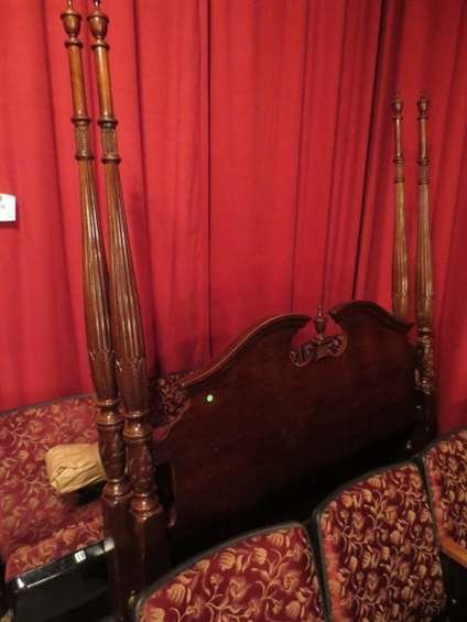 CHIPPENDALE STYLE MAHOGANY QUEEN FOUR POSTER BED, INCLU