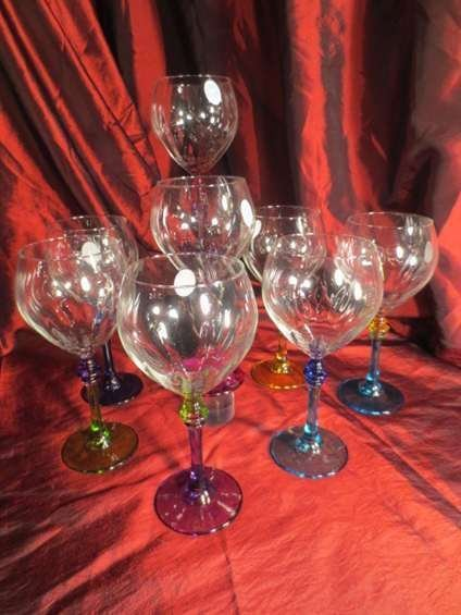 8 FULVIA WINE GLASSES, CLEAR WITH VENETIAN STYLE JEWEL