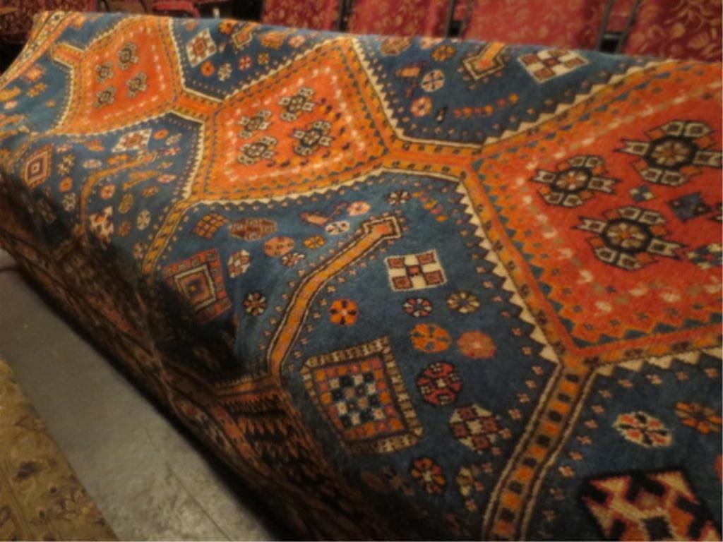 LARGE ORIENTAL RUG, BLUE AND AMBER, APPROX 8.5' X 5.5',