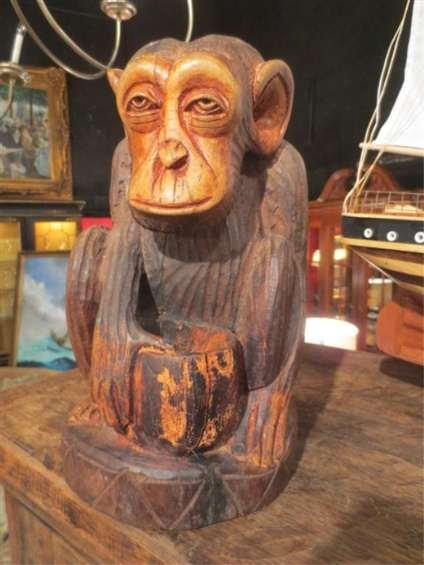 AFRICAN CARVED WOODEN STATUE - MONKEY / CHIMPANZEE,