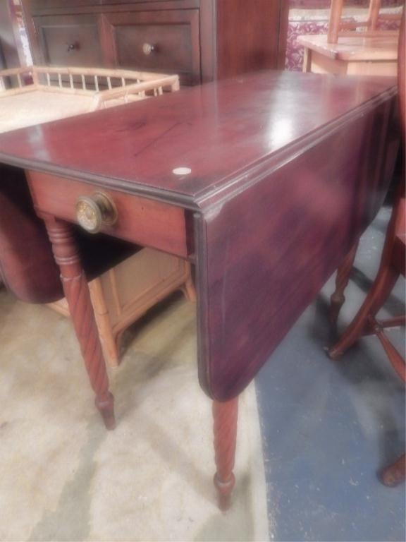 MAHOGHANY DROPLEAF TABLE, OPENS TO APPROX 5'L