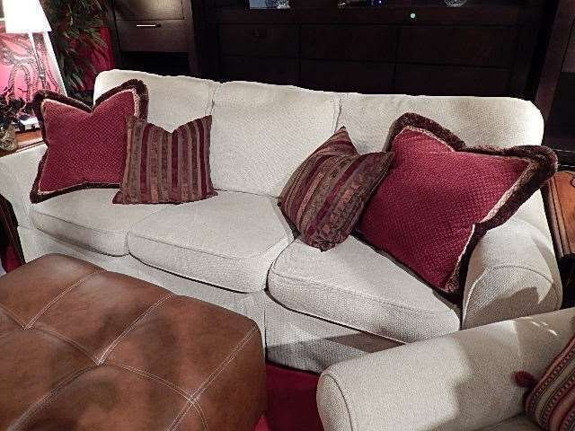 3 PC SET SOFA AND 2 ARMCHAIRS, OFF WHITE CHENILLE