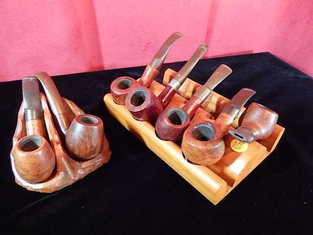 COLLECTION OF 7 PIPES WITH 2 STANDS