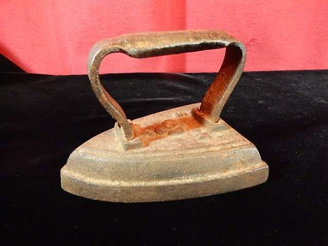 "ANTIQUE IRON WITH ACE OF SPADES DESIGN, APPROX 4""H X"