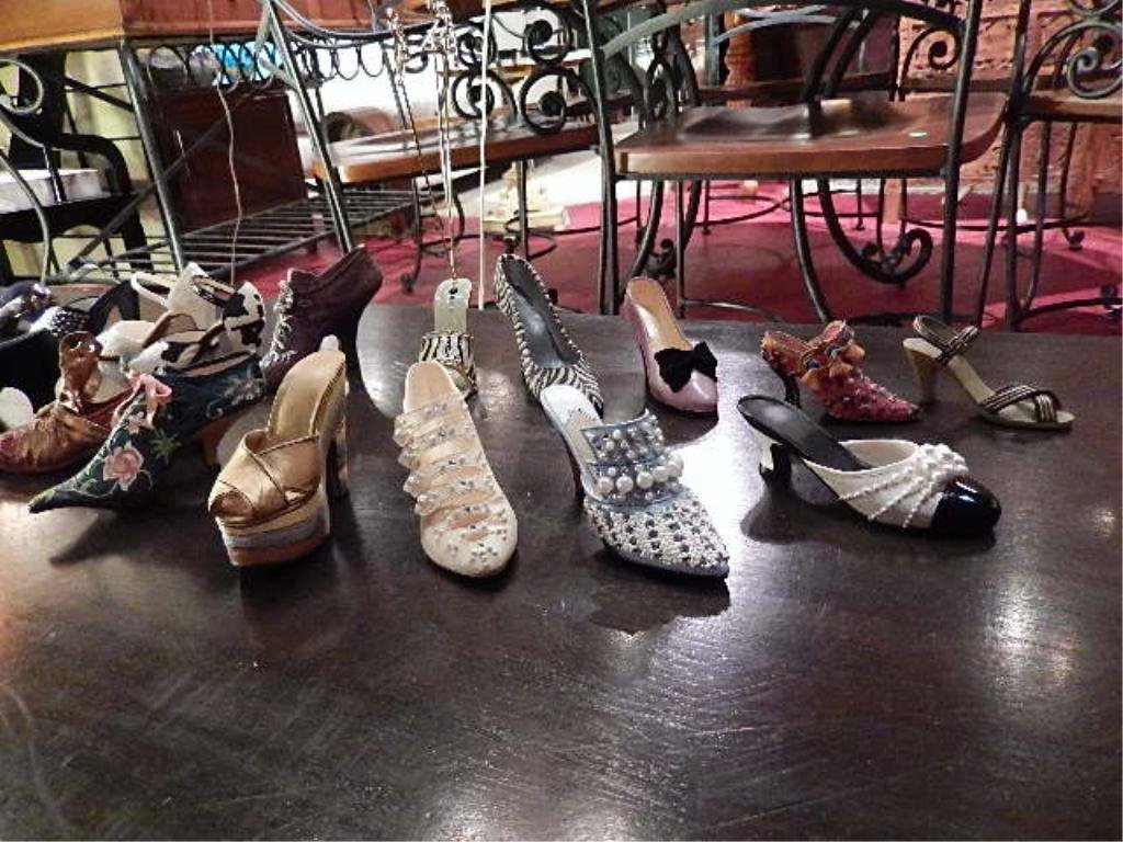 18 COLLECTIBLE SHOE FIGURINES, SOLD AS A GROUP - 3