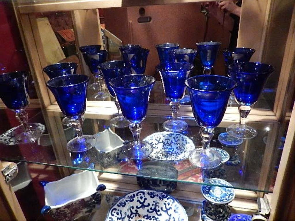 8 COBALT BLUE WINE GLASSES WITH CLEAR STEMS