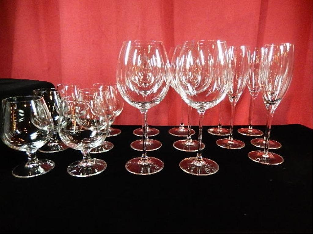 17 PC CRYSTAL STEMWARE, INCLUDES 6 BRANDY SNIFTERS