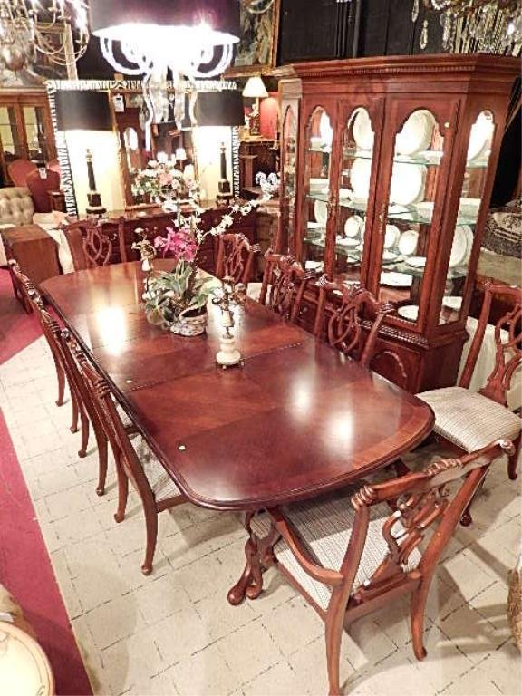 THOMASVILLE CHIPPENDALE STYLE DINING TABLE WITH 2