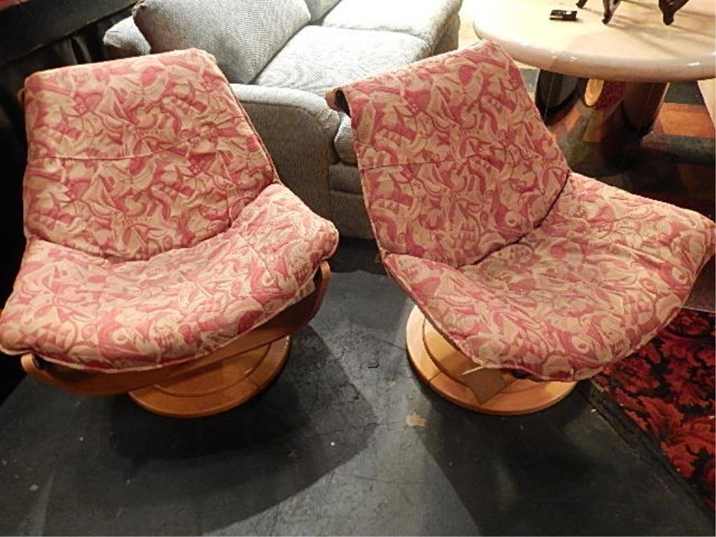 PAIR MODERN DESIGN LOUNGE CHAIRS, LABELED MADE IN
