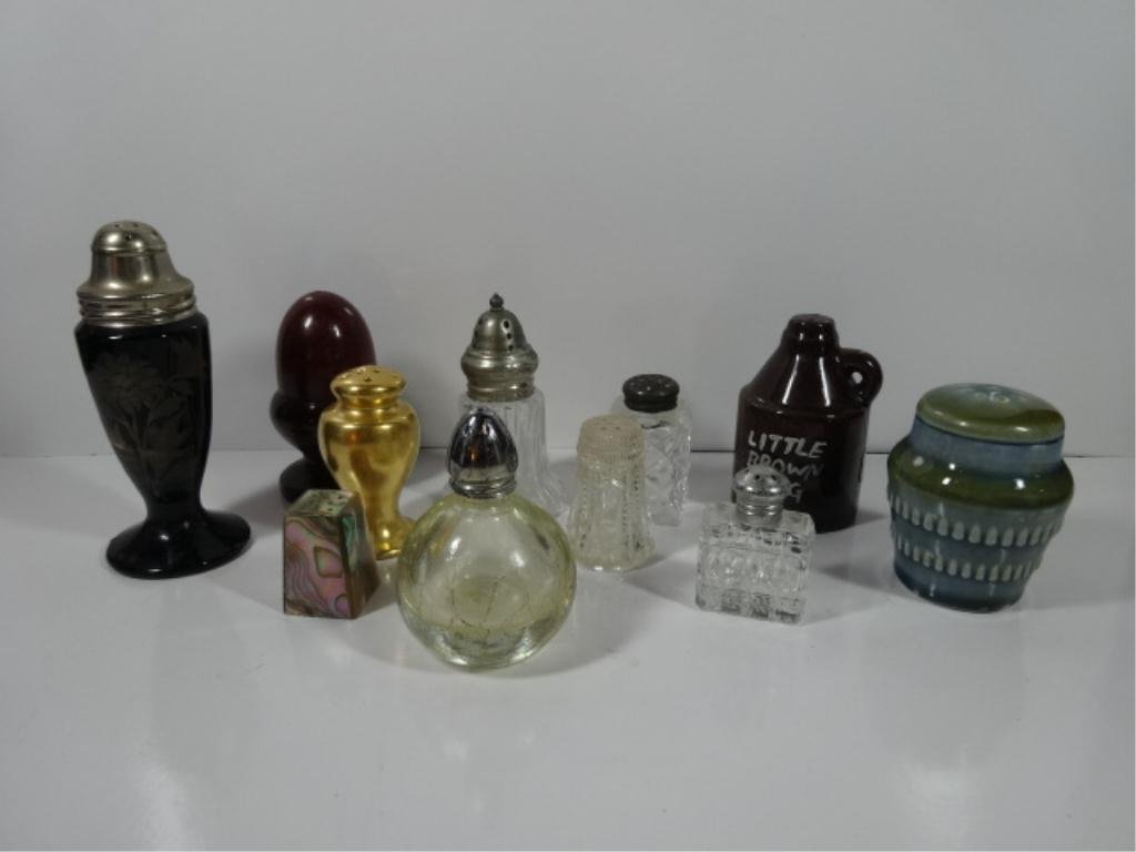 11 PC GROUP LOT SINGLE SALT OR PEPPER SHAKERS, CRYSTAL