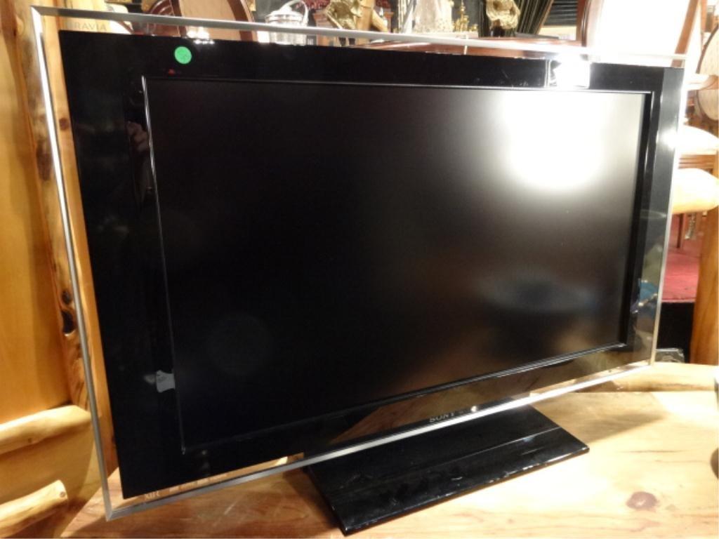 """SONY BRAVIA 40"""" LCD TV MODEL# KDL-40XBR3"""
