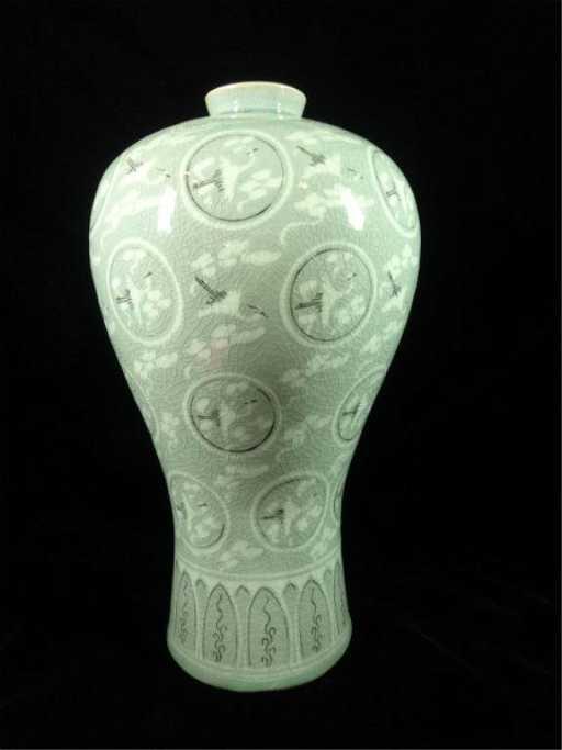 Korean Celadon Vase Thousand Cranes Design With