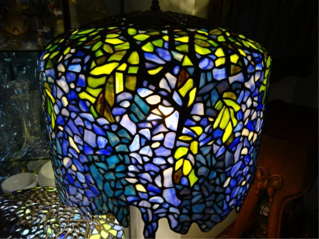 TIFFANY STYLE LEADED GLASS FLOOR LAMP, BLUE WISTERIA - 2