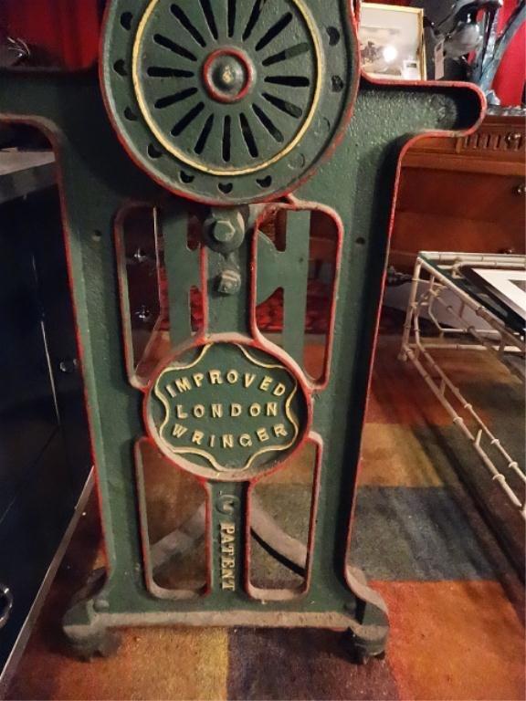 ANTIQUE LONDON CLOTHES WRINGER (MANGLER), METAL BASE, - 3