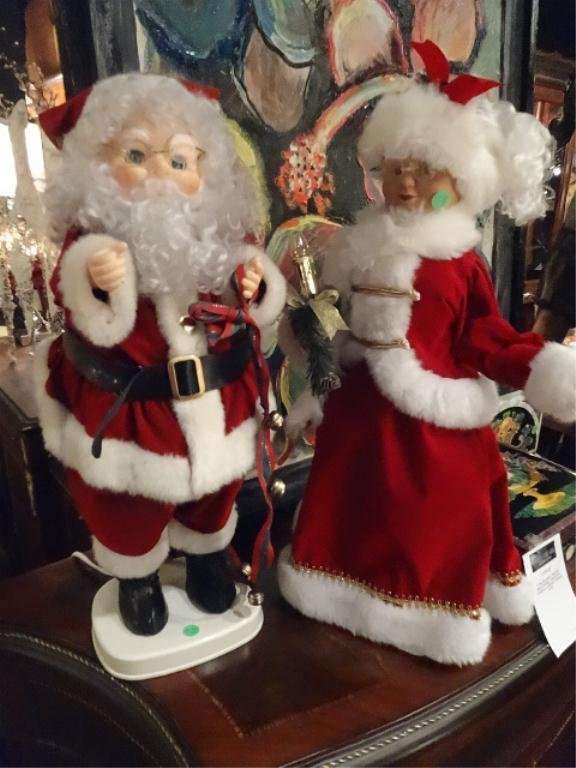 """2 PC ANIMATRONIC SANTA AND MRS CLAUS, APPROX 26""""H"""