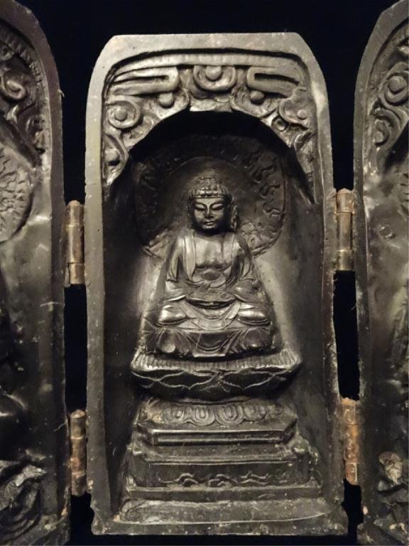 CHINESE BUDDHIST CARVED WOOD TRAVEL ALTAR, HINGED DOORS - 2