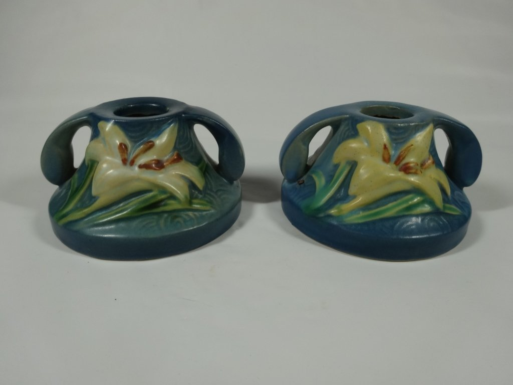 ROSEVILLE POTTERY ZEPHYR LILY PAIR OF CANDLESTICKS,