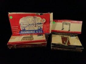 4 Pc Vintage Train Equipment, Includes Plasticville Usa