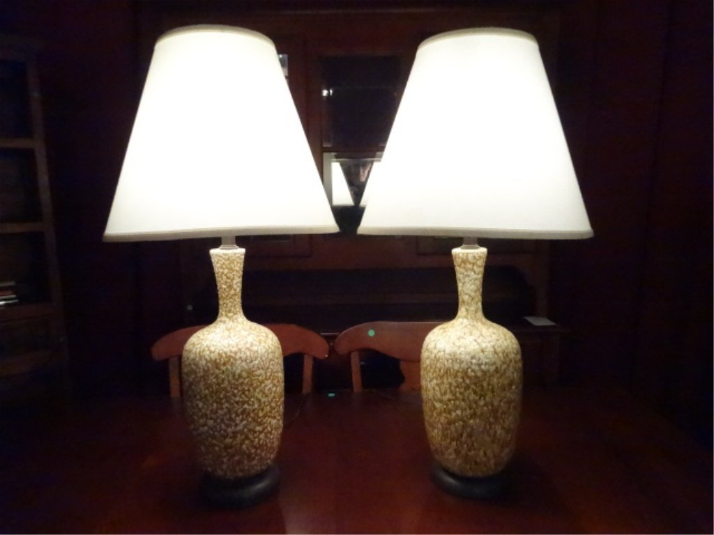 PAIR MID CENTURY MODERN CERAMIC LAMPS, TAN AND WHITE,