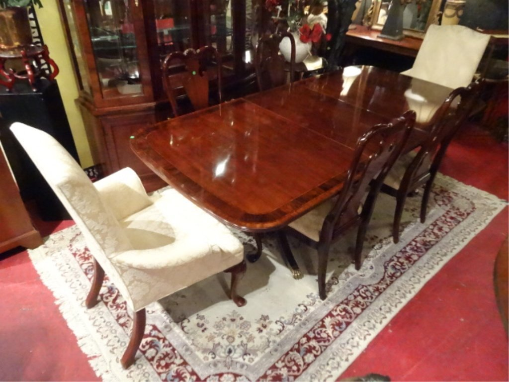 THOMASVILLE MAHOGANY DINING TABLE WITH 6 CHAIRS, 2 - 4