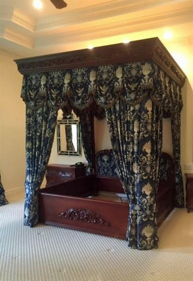 3 PC LOUIS XV STYLE KING CANOPY BEDROOM SET, MADE IN - 7