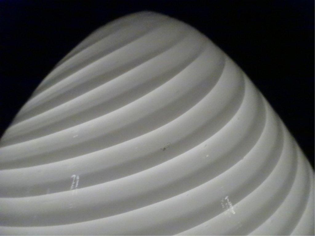 1970's MURANO SWIRL GLASS EGG LAMP, WHITE GLASS WITH - 3