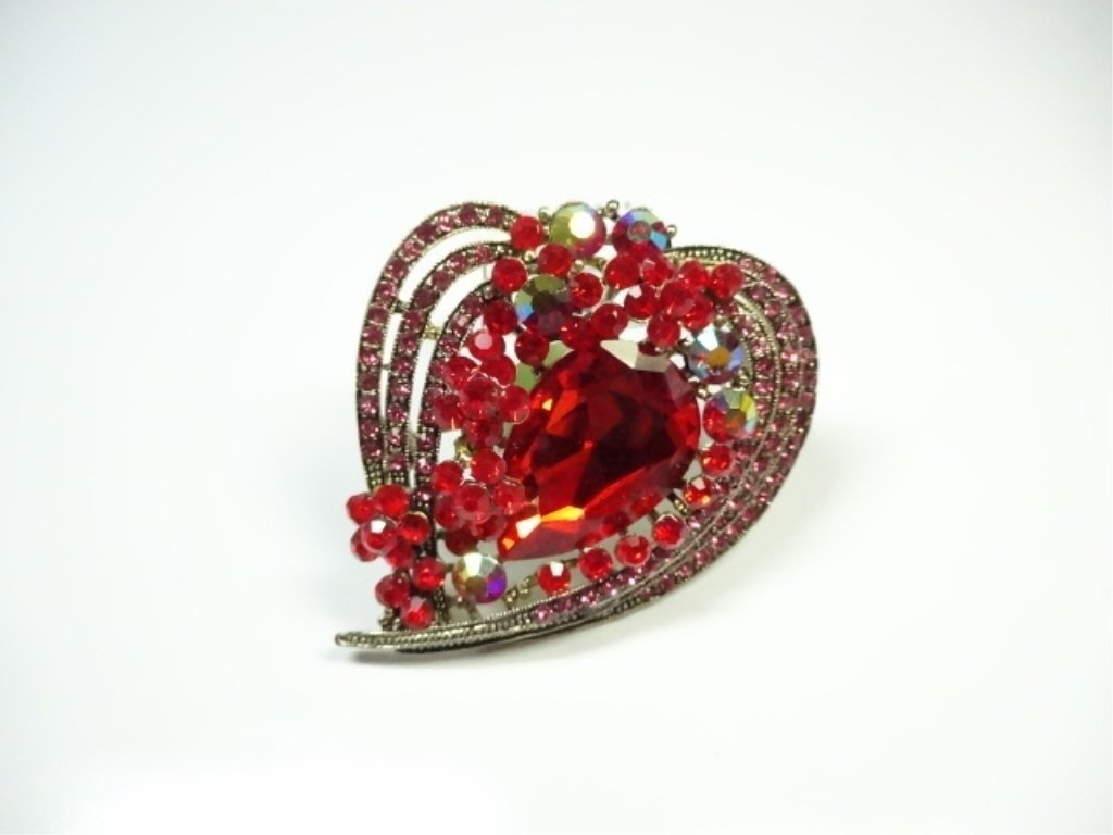 LARGE COSTUME JEWELRY BROOCH, HEART SHAPE, - 2