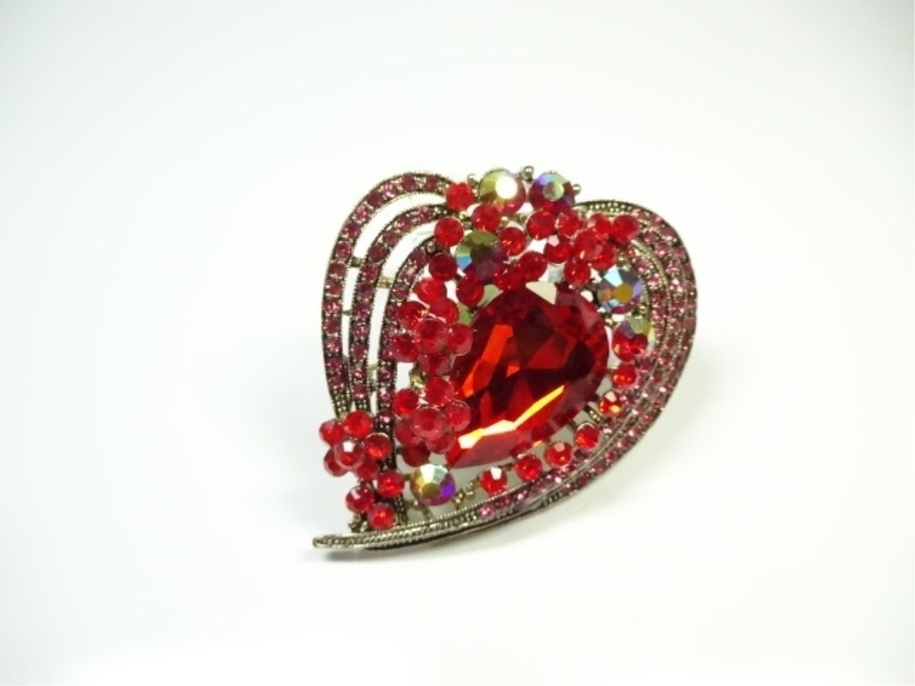 LARGE COSTUME JEWELRY BROOCH, HEART SHAPE, - 3