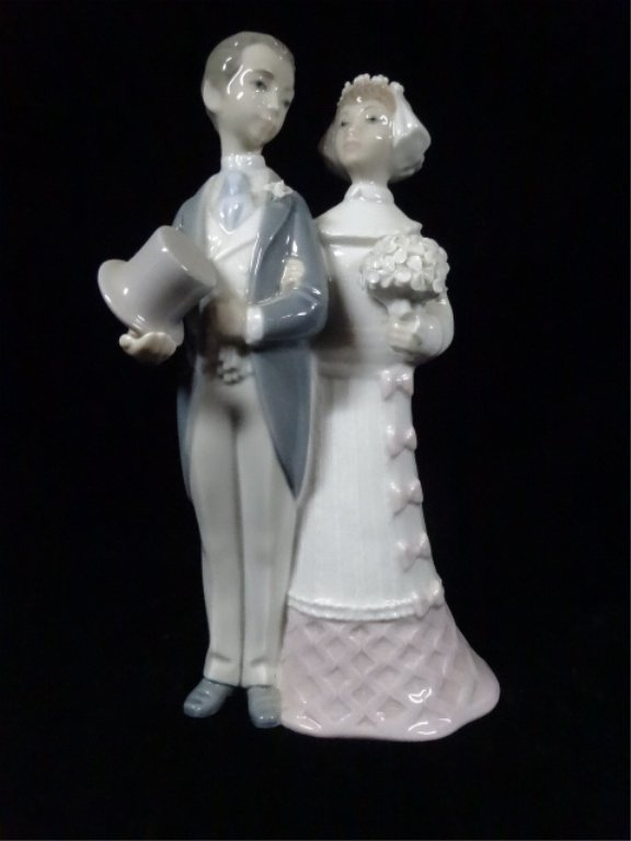 "RETIRED LLADRO PORCELAIN SCULPTURE, ""WEDDING LLADRO"","