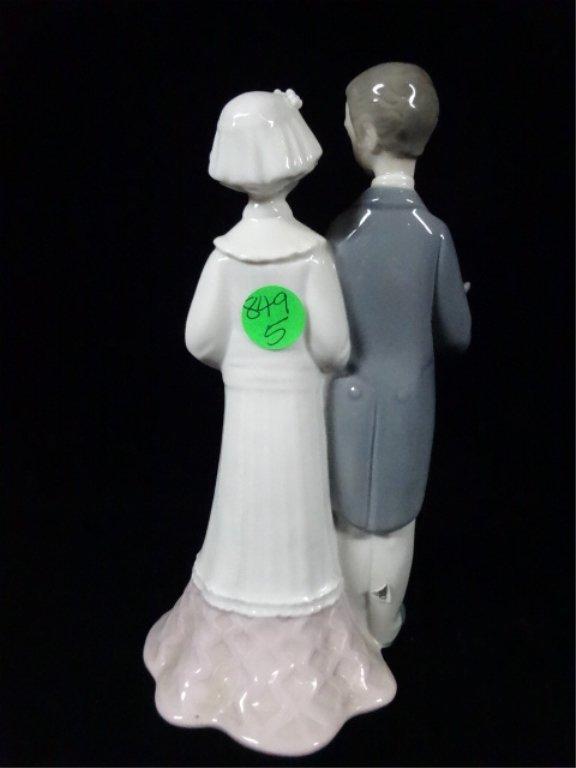 "RETIRED LLADRO PORCELAIN SCULPTURE, ""WEDDING LLADRO"", - 4"