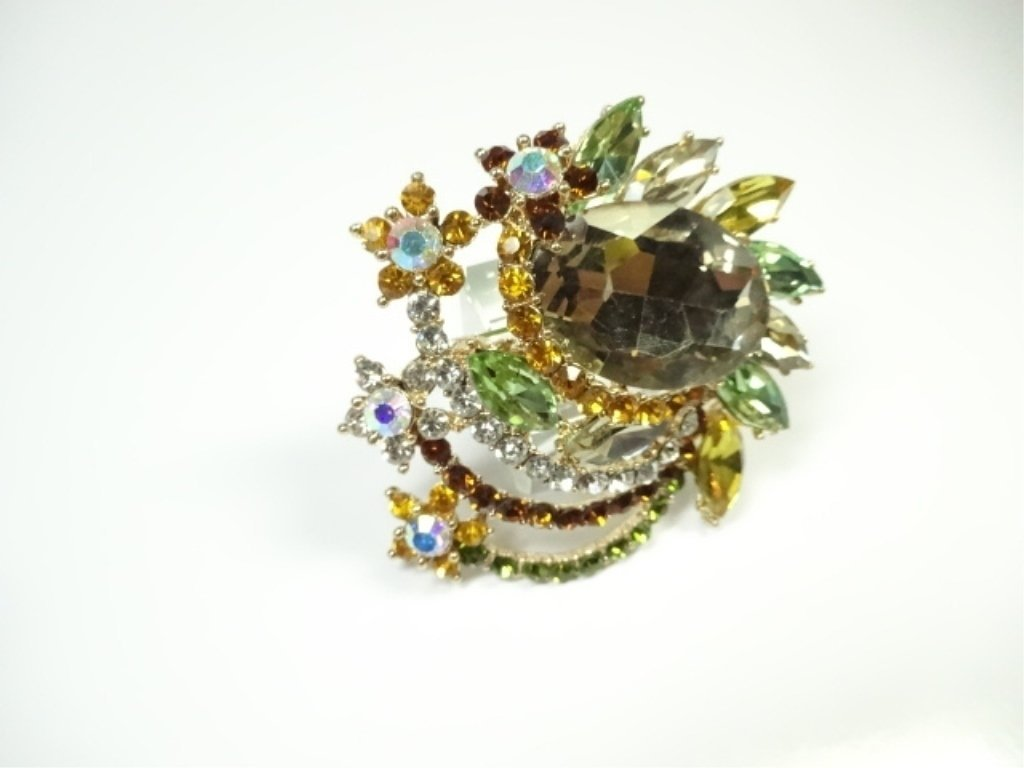 LARGE COSTUME JEWELRY BROOCH, AMBER & MULTICOLOR - 4