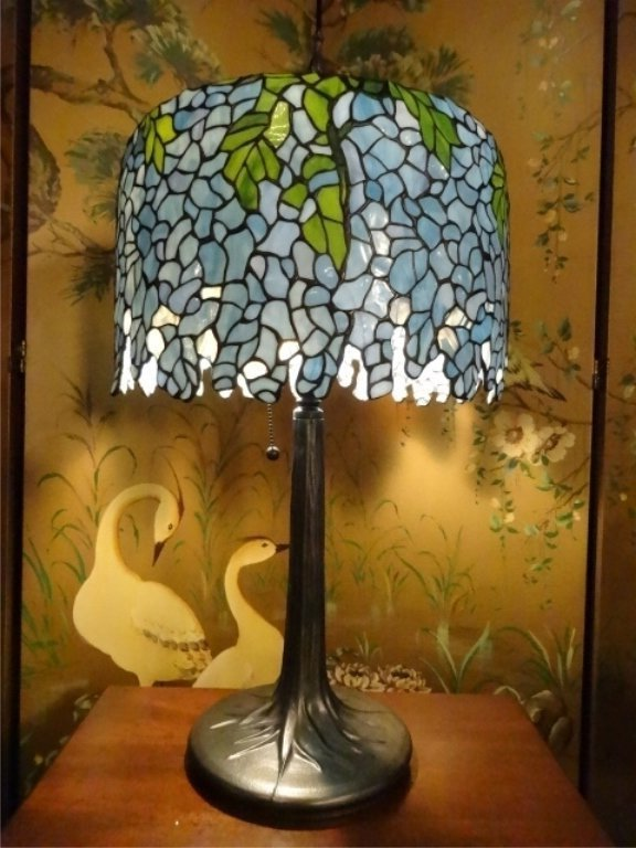 TIFFANY STYLE STAINED LEADED GLASS LAMP, WISTERIA VINE