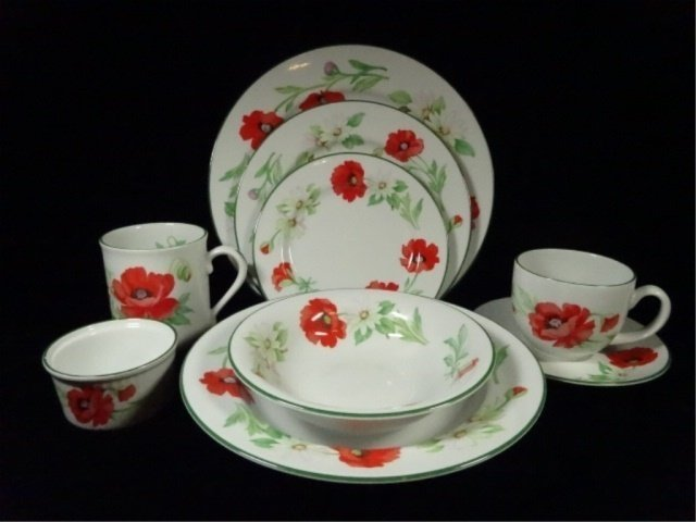 74 PC ROYAL WORCESTER CHINA SERVICE, POPPIES PATTERN,