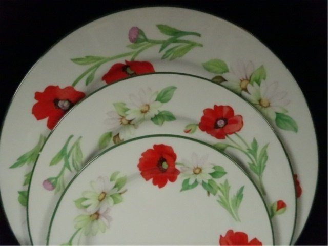 74 PC ROYAL WORCESTER CHINA SERVICE, POPPIES PATTERN, - 2