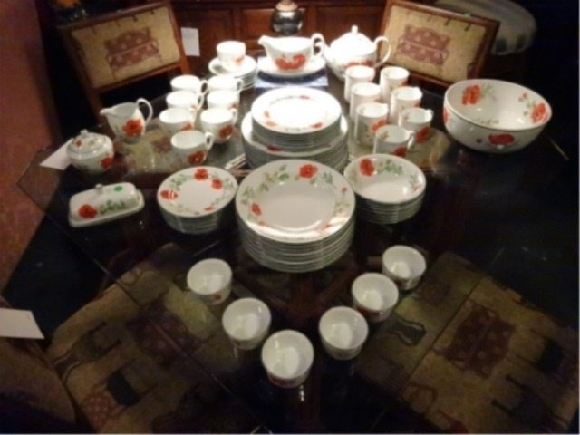 74 PC ROYAL WORCESTER CHINA SERVICE, POPPIES PATTERN, - 4