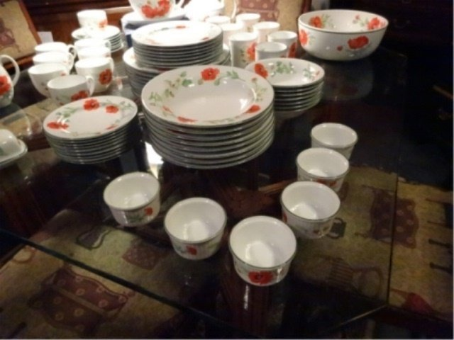 74 PC ROYAL WORCESTER CHINA SERVICE, POPPIES PATTERN, - 6